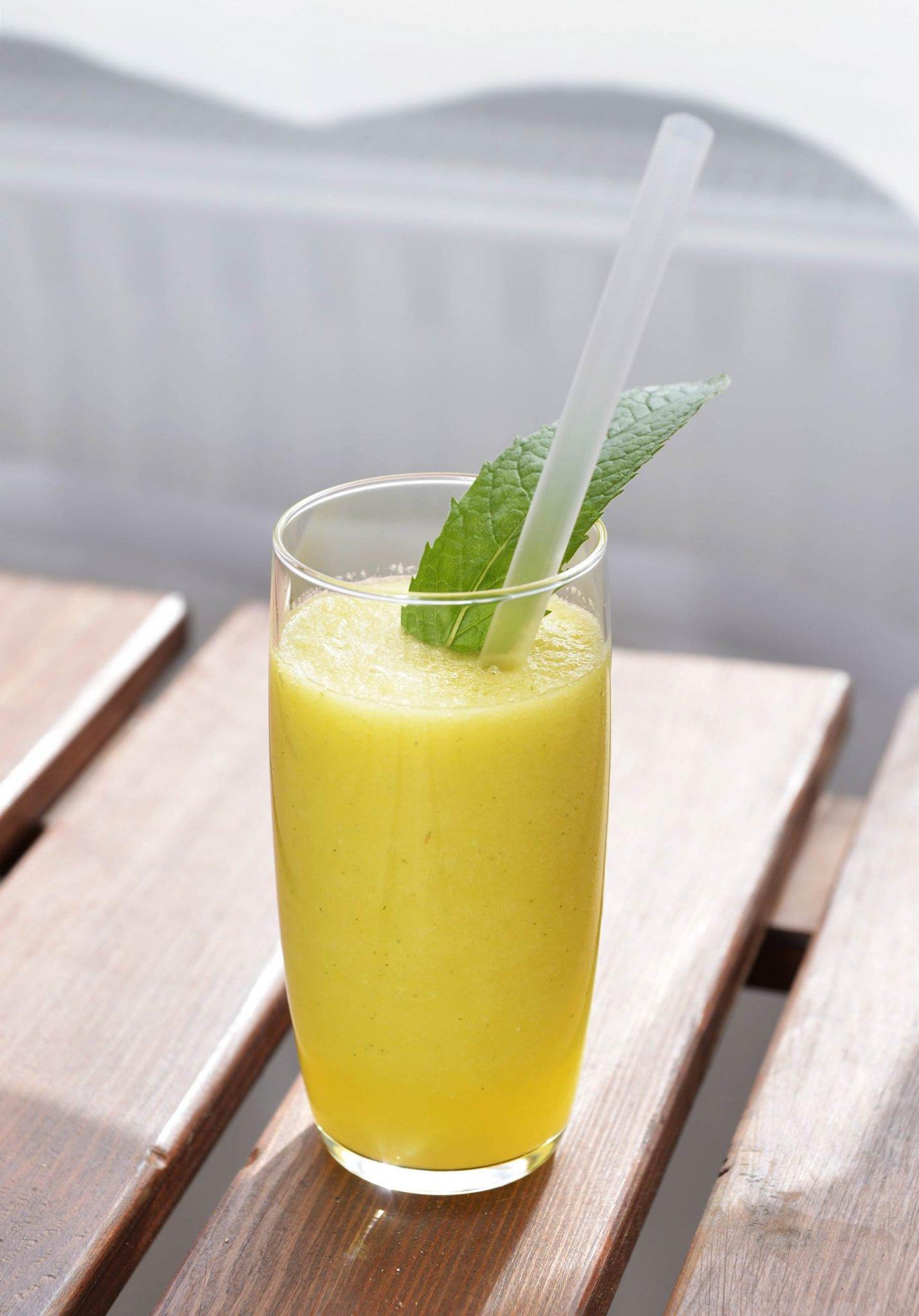 smoothie1 - alma narancs edeskomeny menta